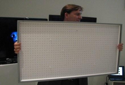 Tak wyglądają LED-owe diody emitujące światło - prezentacja najnowszego telewizora marki Philips /INTERIA.PL