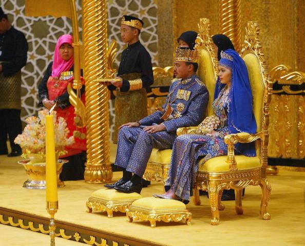 Tak wyglądał ślub Sary i księcia Brunei /Getty Images
