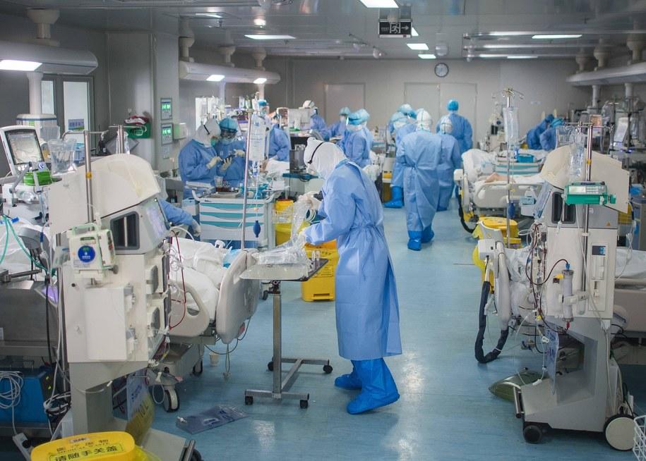 Tak wyglądał szpital w Wuhan w marcu /Xiao Yijiu /PAP/EPA