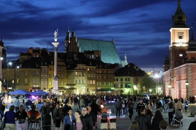 Tak wyglądał w ten weekend Plac Zamkowy w Warszawie / Leszek Szymański    /PAP