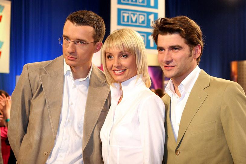 Tak wyglądała, gdy zaczynała pracę w TVP1. Na zdjęciu z Grzegorzem Miśtalem i Tomkiem Kammelem /Piotr Fotek /Reporter