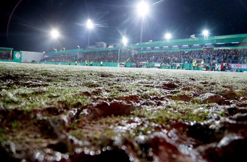 Tak wyglądała murawa przed meczem Sportfreunde Lotte - Borussia Dortmund /PAP/EPA