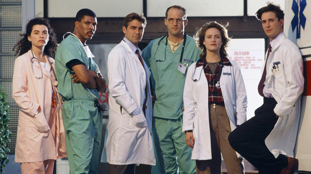 Tak wyglądała obsada pilota wyemitowanego jesienią 1994 r. przez NBC. Mało kto wie, że Julianna Margulies początkowo walczyła o rolę żony dr Greena, a rolę dr. Bentona miał zagrać Michael Beach. Wells stwierdził jednak, że nie pasuje do zespołu i zatrudnił Eriqa La Salle. /materiały prasowe