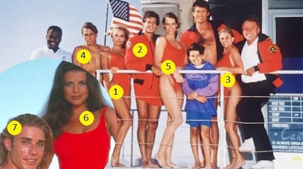 """Tak wyglądała obsada """"Słonecznego patrolu"""" w jego trzecim sezonie. Z dnia na dzień mało znani aktorzy stali się sławni na całym świecie. Kelly, Pam, David, Alexandra i Nicole w towarzystwie Davida Hasselhoffa i jego serialowego syna – Jeremy'ego Jacksona. /materiały prasowe"""