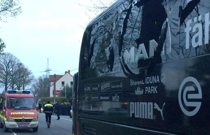 Tak wyglądała szyba w autobusie Borussii po wybuchach /AFP