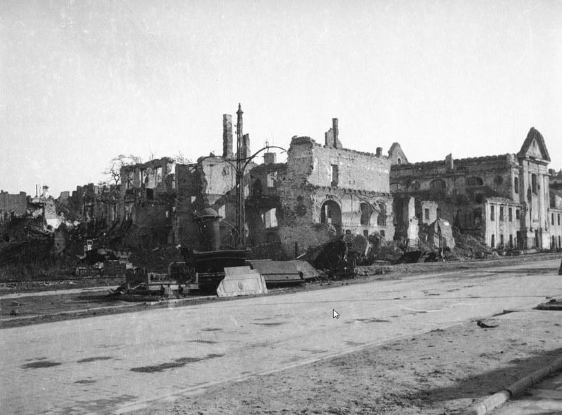 Tak wyglądała Warszawa w 1945 roku /Z archiwum Narodowego Archiwum Cyfrowego