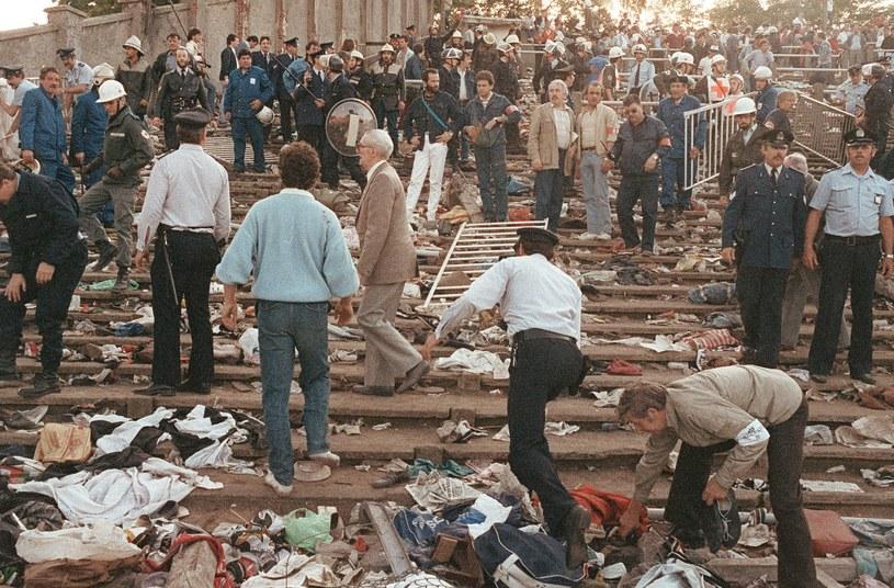Tak wyglądały trybuny stadionu Heysel po zamieszkach, w których zginęło 39 osób /AFP