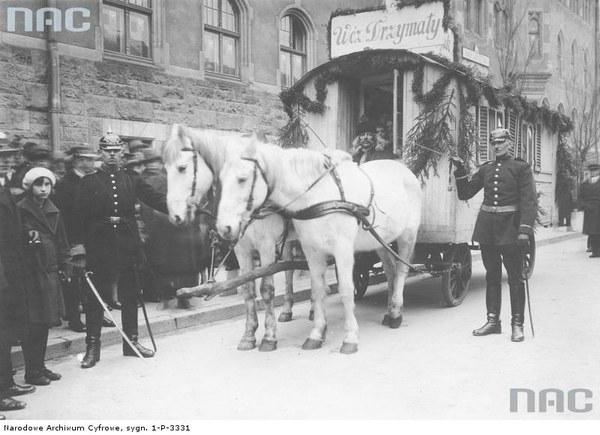Uroczystości w Bydgoszczy z okazji rocznicy odzyskania Pomorza - wóz Drzymały