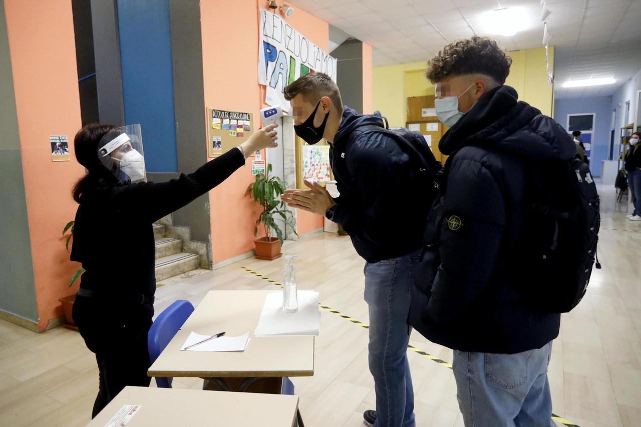 Tak źle jeszcze nie było. 4 tys. pracowników oświaty w Małopolsce na zwolnieniach lub kwarantannie