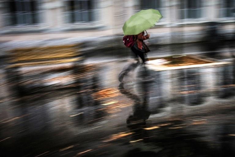 Taka pogoda utrzyma się jeszcze przez 48 godzin /AFP