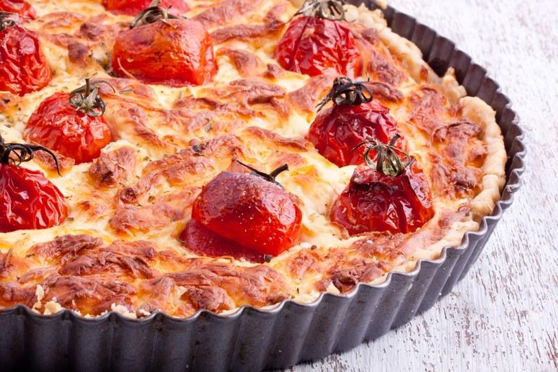 Taka tarta smakuje jak pizza. Polubią ją i dorośli, i dzieci /123RF/PICSEL
