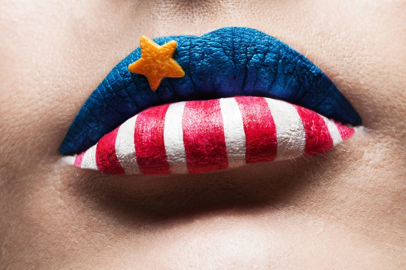 Taki make-up wygląda bardzo efektownie, wymaga wiele precyzji, pracy i - co tu dużo mówić - jest mało praktyczny! /123RF/PICSEL