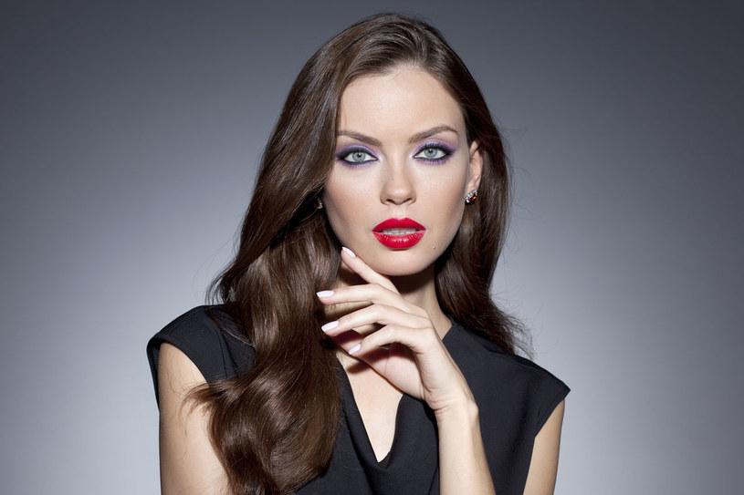 Taki makijaż idealnie sprawdzi się na imprezie halloweenowej /materiały prasowe