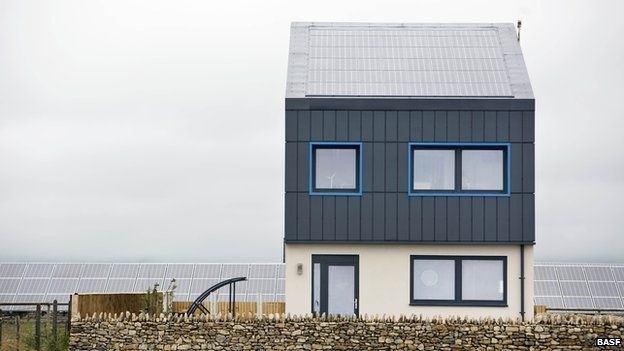 Taki niezwykły dom powstał w pobliżu Bridgend (fot. BBC) /materiały prasowe