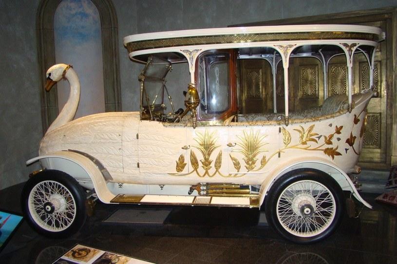 """Taki samochód powstał w 1910 r. na zlecenie Roberta Nicholla """"Scotty"""" Matthewsona, ekscentrycznego i bogatego Szkota, mieszkającego w Kalkucie /INTERIA.PL"""