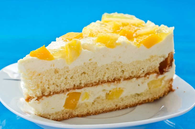 Taki tort smakuje doskonale /123RF/PICSEL