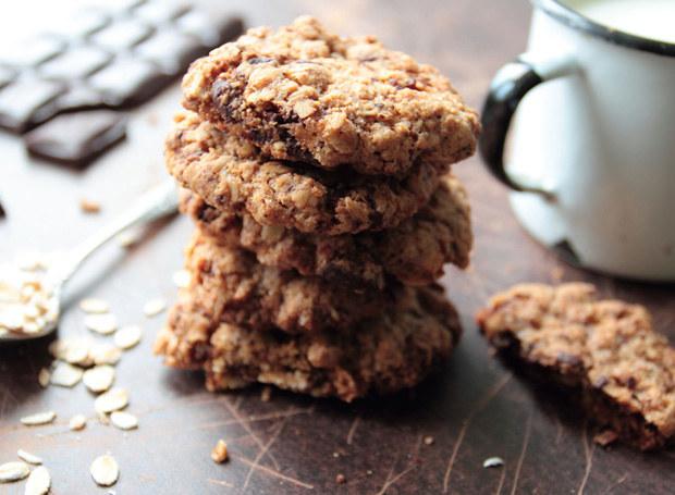 Takie ciastka są zdecydowanie zdrowsze od czekolady! /123RF/PICSEL