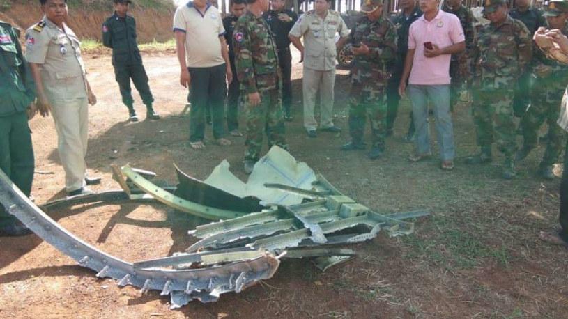 Takie fragmenty metalu spadły na kambodżańską wioskę /materiały prasowe