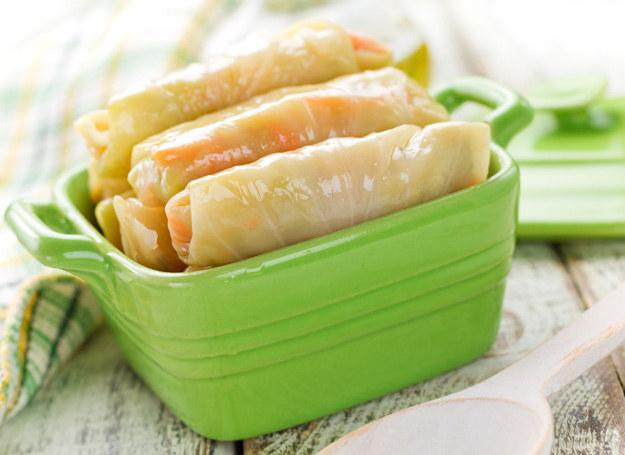 Takie gołąbki wystarczy polać sosem, jaki lubisz. Smakują wyjątkowo! /123RF/PICSEL