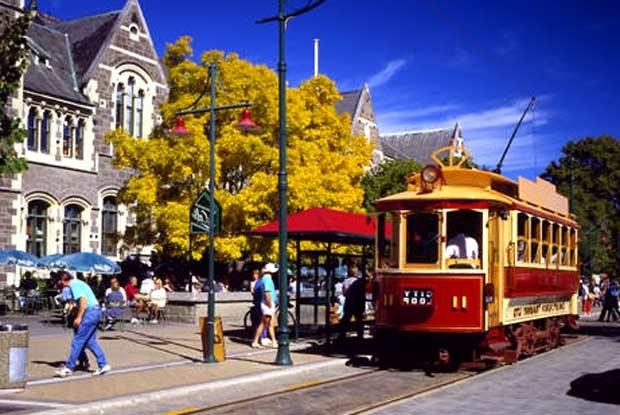 Takie pojazdy poruszają się jeszcze po Nowej Zelandii / kliknij /INTERIA.PL