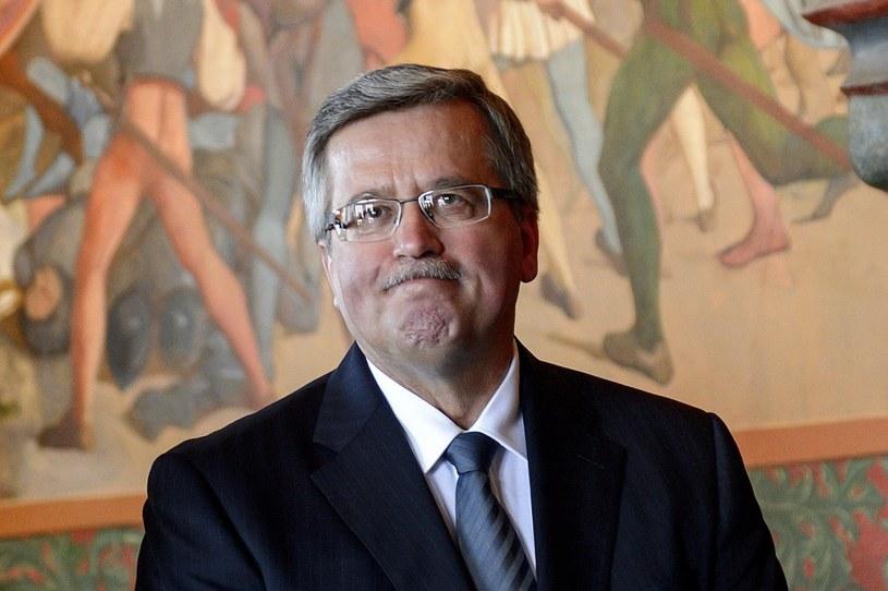"""""""Takie są uroki demokracji"""" - komentuje Bronisław Komorowski spadające poparcie dla rządu i PO /AFP"""