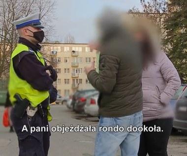 Takie samo rondo i różne decyzje policjantów. Kto miał rację?