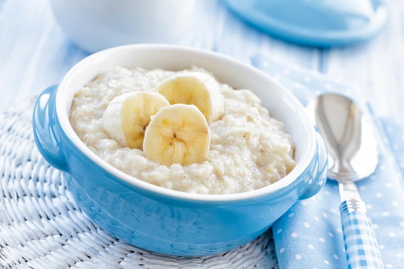 Takie śniadanie jest zdrowe i przygotujesz je w mniej niż kwadrans /123RF/PICSEL