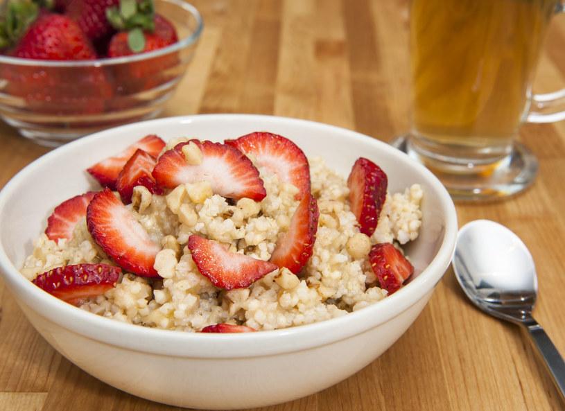 Takie śniadanie pomoże w odchudzaniu /123RF/PICSEL