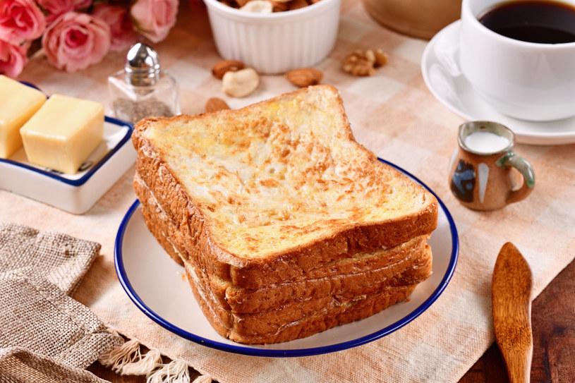 Takie tosty to prosty sposób na dobry początek dnia /123RF/PICSEL