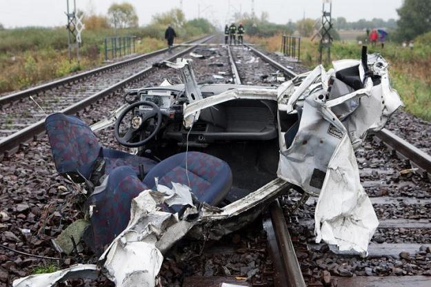Takie wypadki kończą tragicznie, a winien niemal zawsze jest kierowca /PAP