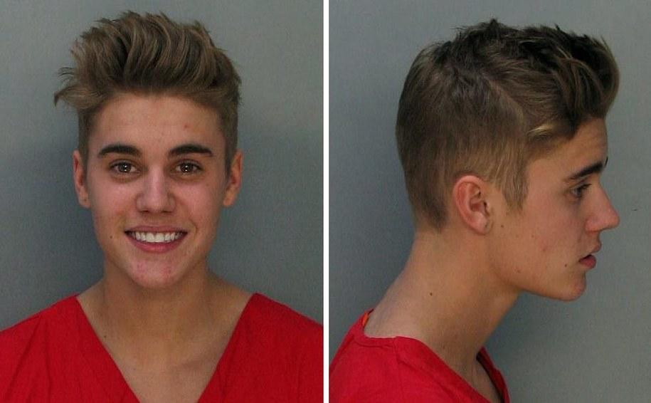 Takie zdjęcie Justina Biebera publikuje policja w Miami /MIAMI-DADE CORRECTIONS & REHABILITATION DEPARTMENT /PAP/EPA