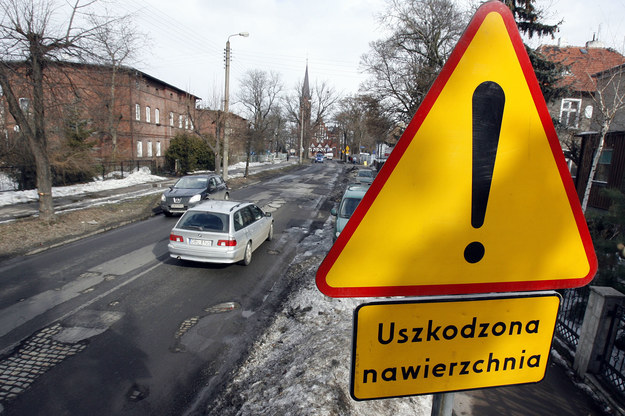 Takie znaki w dużej ilości stanęły na ulicy Czekoladowej  /Wojciech Wilczyński /RMF FM