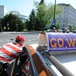 Taksówkarze wczoraj blokowali, Warszawiacy  teraz ich bojkotują