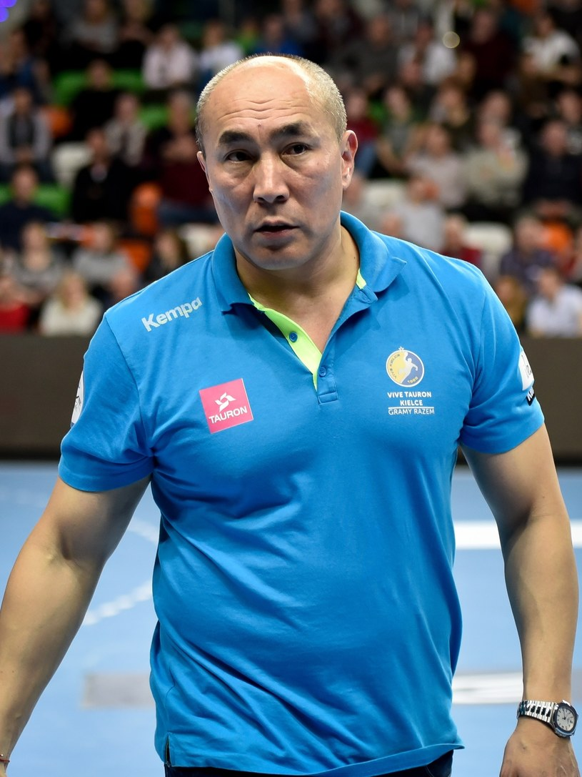 Tałant Dujszebajew, trener Vive Tauronu /Piotr Dziurman /East News
