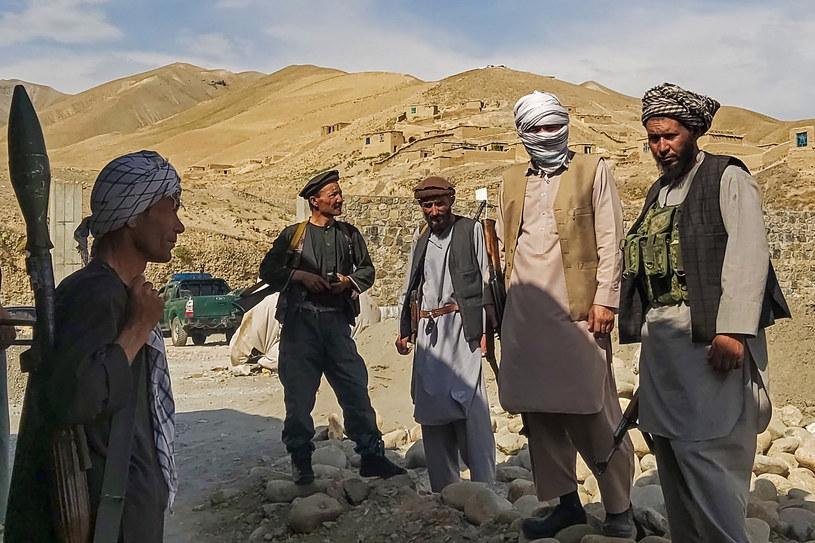 Talibowie rozmawiają z władzami Afganistanu na temat rozejmu /NASEER SADEQ /AFP