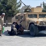 Talibowie wzmacniają ochronę wokół lotniska w Kabulu