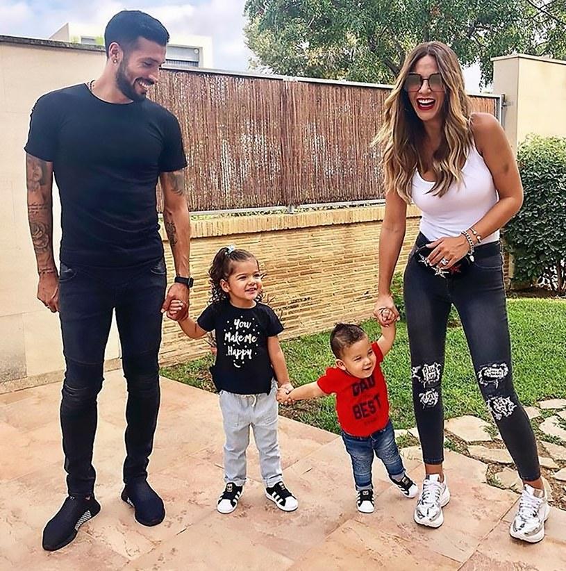 Tamara Gorro z mężem i dziećmi/Instagram /East News