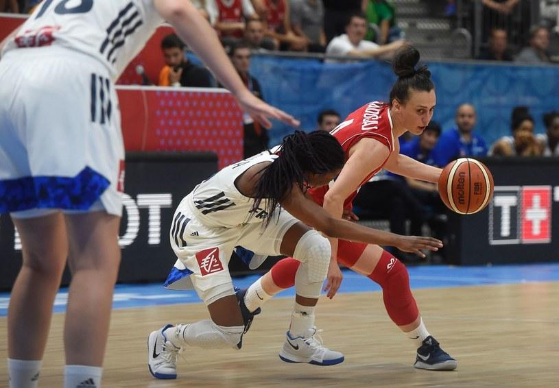 Tamara Radoczaj (z piłką) /AFP