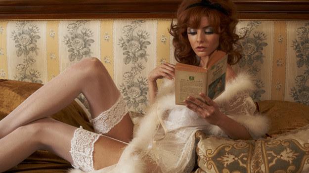 """Tamsin Egerton do roli w """"Prawdziwej historii..."""" musiała ściąć włosy i przefarbować je na rudo /materiały dystrybutora"""