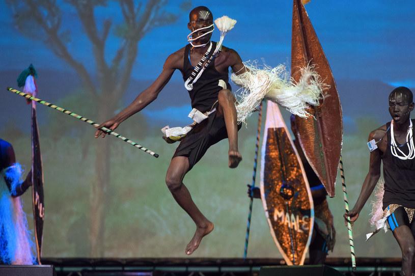 Tancerze na szczycie Unii Afrykańskiej /BERTRAND LANGLOIS /AFP