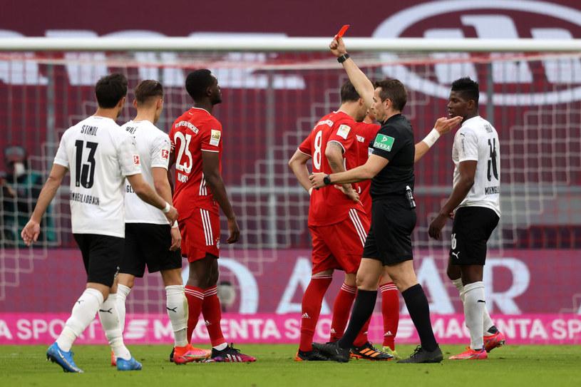 Tanguy Nianzou ukarany czerwoną kartką /Alexander Hassenstein /Getty Images