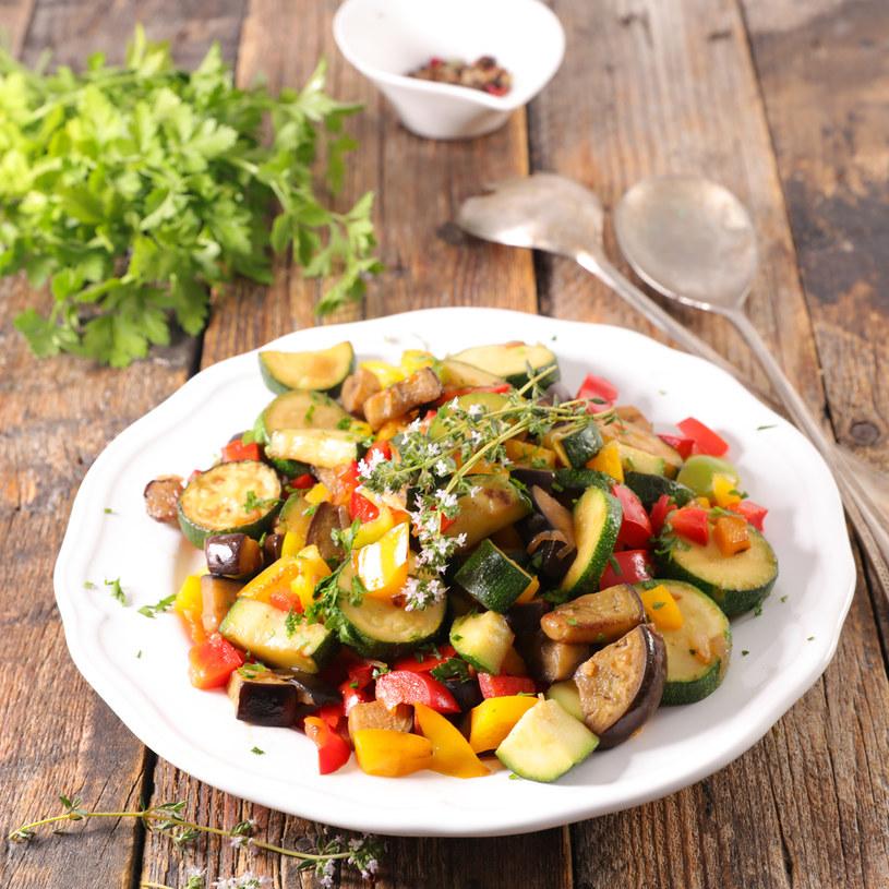 Tani, szybki i smaczny przepis na warzywny obiad /123RF/PICSEL