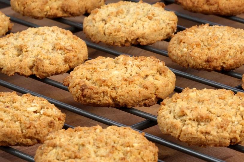 Tanie i zdrowe ciasteczka dwuskładnikowe /123RF/PICSEL