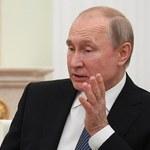 Tańsza ropa i wyższe podatki spowolnią tempo wzrostu gospodarczego Rosji