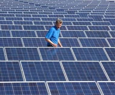 Tańsze, efektywne ogniwa słoneczne