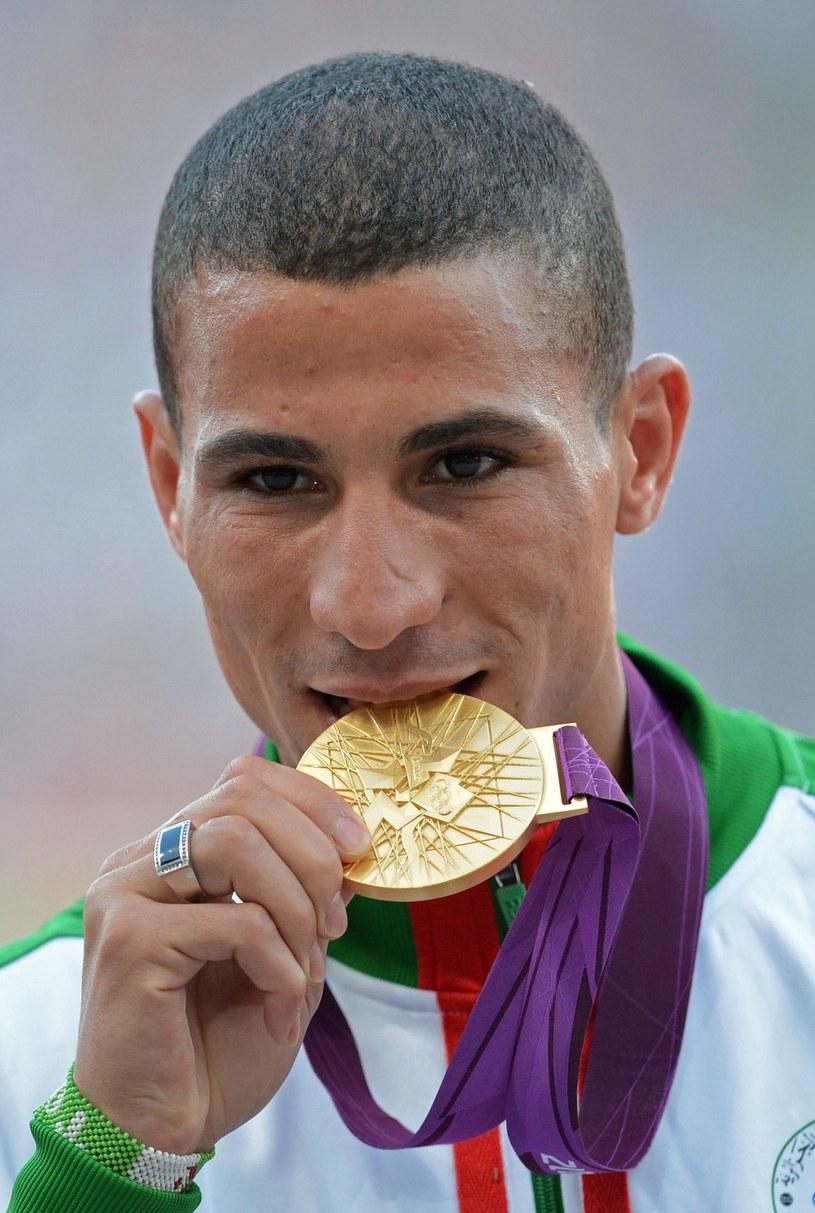 Taoufik Makhloufi zdobył złoty medal w biegu na 1500 metrów. /AFP