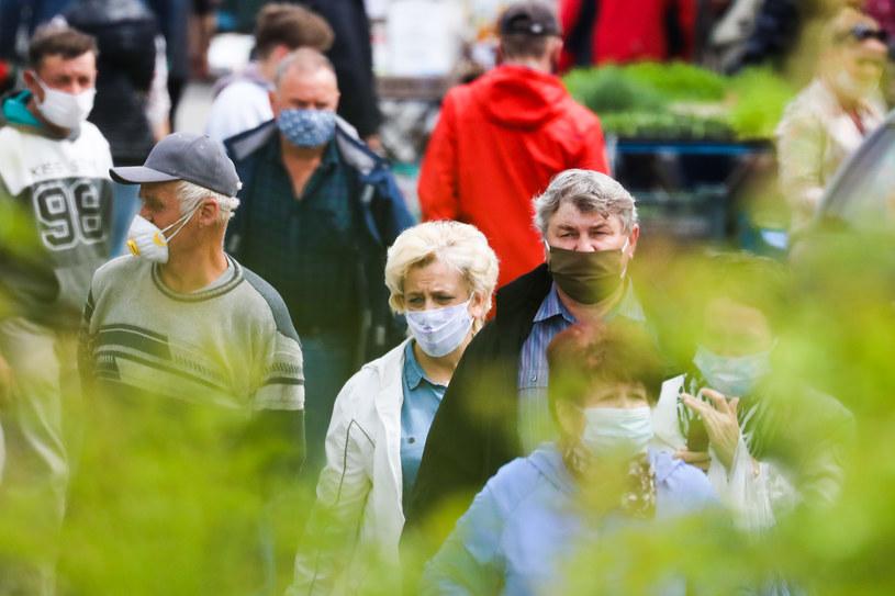Targ w Sędziszowie (woj. świętokrzyskie) w czasie epidemii /Beata Zawrzel/NurPhoto /Getty Images
