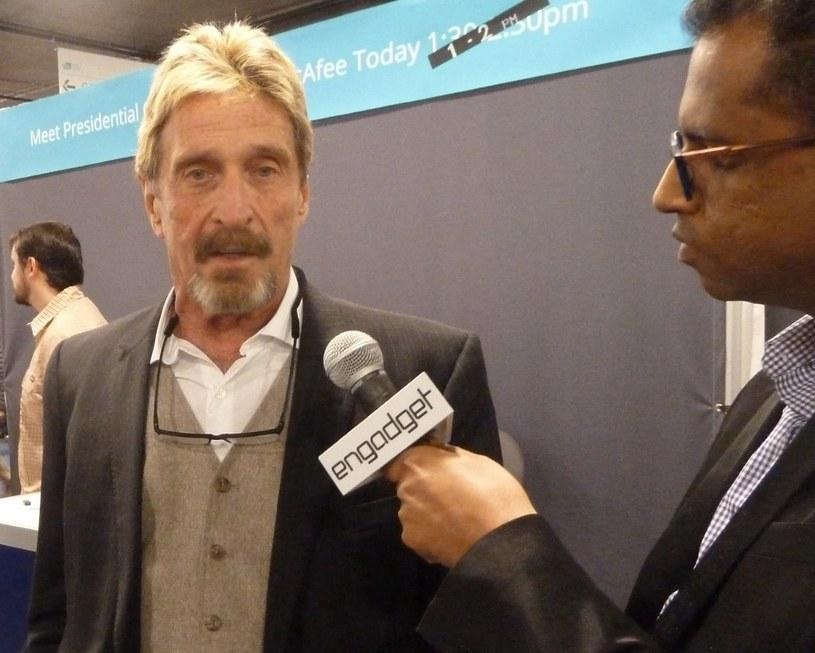 Targi CES w Las Vegas - wywiad dla mediów. McAfee próbował wrócić do branży IT, ale nie odniósł sukcesu /AFP