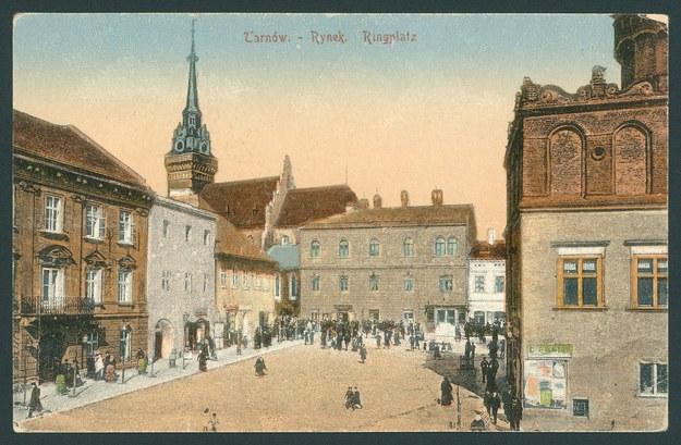 Tarnów. Rynek miasta (pocztówka z 1918 r.) /Biblioteka Narodowa