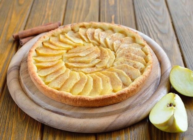 Tarta jabłkowa /123RF/PICSEL